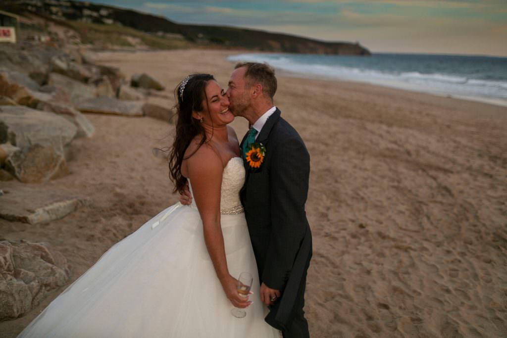 emma jervis photography, cornish wedding, bridesmaid, praa sands, cornish wedding, uk wedding, irish wedding photographer
