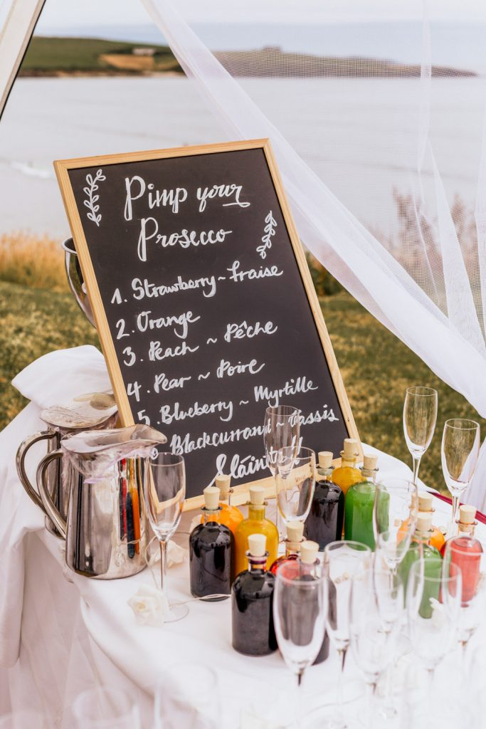 Pimp your prosecco wedding table